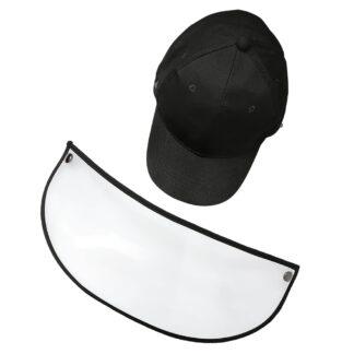Gorra color negro con visera y careta transparente PET extendida sobre un fondo blanco