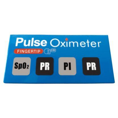 """Lateral de caja oxímetro de pulso con leyenda """"Pulse Oximeter"""" y cuatro iconos: SpO2, PR, PI y PR."""
